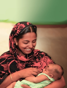 Mom breastfeeding - Bangladesh